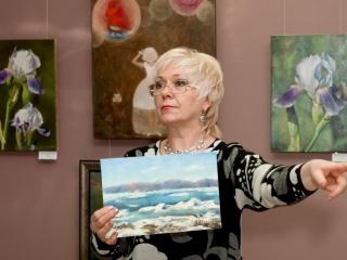 После открытия выставки состоялся аукцион авторских работ Татьяны. Аукцион вела Наталия Александрова.