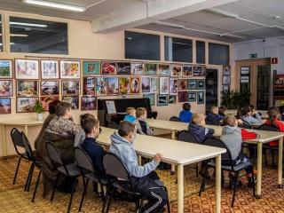 В читальном зале библиотеки №18 (г. Сызрань)