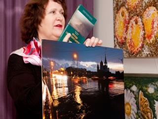 В подарок к работам Елены Колесник - книга самарских авторов о местных загадочных явлениях и легендах.