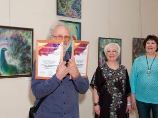 Благодарственные письма Людимиле и Геннадию Бурмановыым за помощь в организации выставок