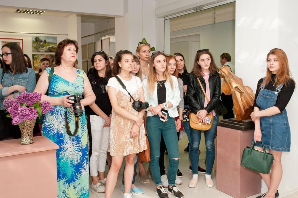 Зрители и участники выставки