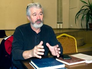 Лекцию ведёт Владмир Рассказов