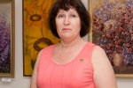 Татьяна Казакова выступает на открытии выставки